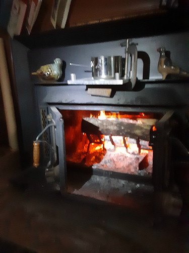 Fireplace_With_Pot